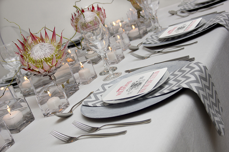 MODERN LINES WEDDING TABLE DESIGN